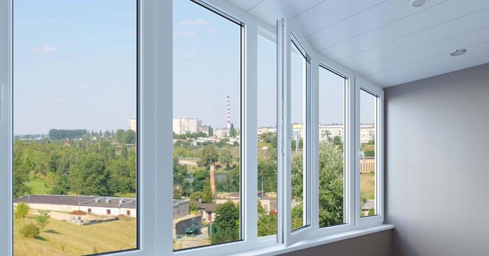 Остекление балконов в Новосибирске
